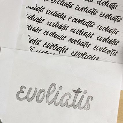 Lettrage et mise au nette manuelle du logotype